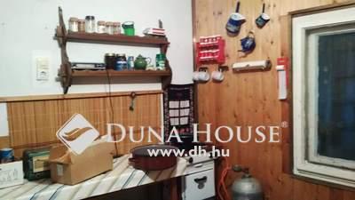 Eladó Ház, Jász-Nagykun-Szolnok megye, Jászberény, 3 szintes nyaraló szőllővel