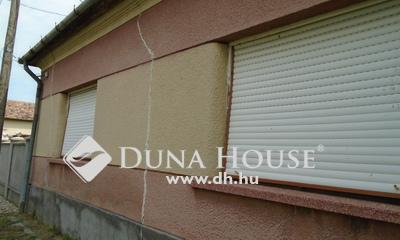 Eladó Ház, Zala megye, Keszthely, akár azonnal birtokba vehető a kastélynál