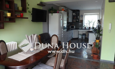 Eladó Ház, Fejér megye, Fehérvárcsurgó, Családi házas környék