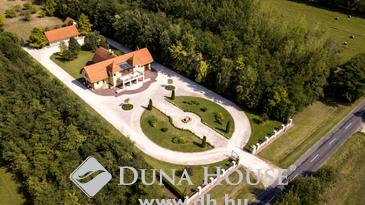 Eladó ház, Kecskemét, Grandiózus kúria