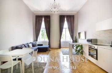 Eladó lakás, Budapest 5. kerület, Erzsébet térre néző lakás, egyedi életérzést keresőknek!
