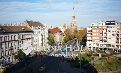 Eladó Lakás, Budapest, 7 kerület, Két lakássá alakítható óriási terekkel 5 szoba