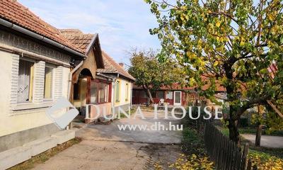 Eladó Ház, Jász-Nagykun-Szolnok megye, Jászberény, 5 különálló lakrésszel, min.8 szobával! KIADÁSRA!