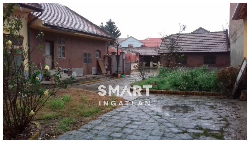 Eladó Ház, Komárom-Esztergom megye, Esztergom, Táti út