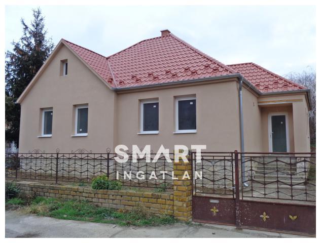 Eladó Ház, Győr-Moson-Sopron megye, Nyúl, Nappali + 3 szobás családi ház!