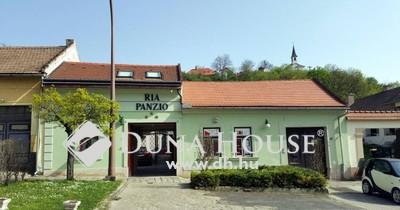 Eladó Ház, Komárom-Esztergom megye, Esztergom, Bazilika szomszédságában
