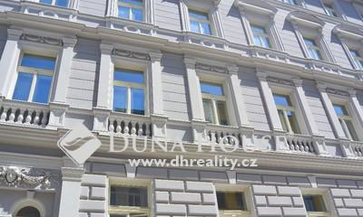 Prodej bytu, V Lesíčku, Praha 5 Smíchov