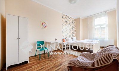 Eladó Lakás, Budapest, 7 kerület, 4 szobássá alakítható a Kazinczy utcában