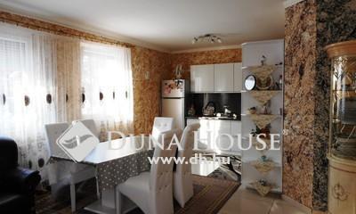Eladó Ház, Pest megye, Gödöllő, családi házas, aszfaltos utca, jó környék