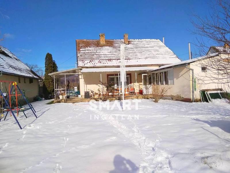 Eladó Ház, Baranya megye, Pellérd, csendes utcában, a park mellett