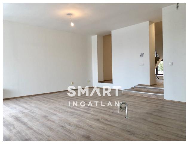 Eladó Lakás, Vas megye, Szombathely, Négy szobás, teljesen újjáépített lakás