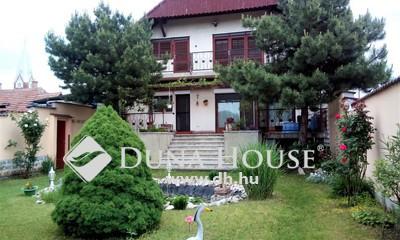 Eladó Ház, Budapest, 17 kerület, Templom térnél 2032 m2 telken 3 szintes ház