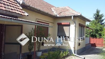 Eladó Ház, Pest megye, Szentmártonkáta, 31-es út közelében