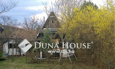Eladó Ház, Komárom-Esztergom megye, Esztergom, Vöröstölgy utca