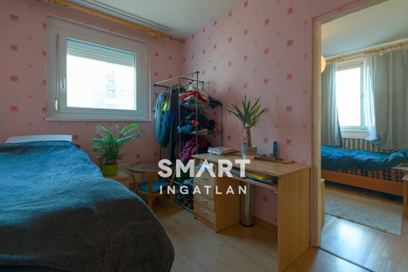 Eladó Lakás, Budapest, 3 kerület, Óbudán 2+2 szobás panellakás
