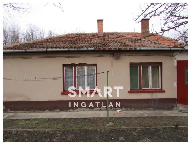 Eladó Ház, Pest megye, Albertirsa, Albertirsa külterületi részén Családi ház.