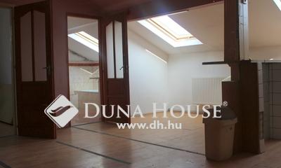 Eladó Ház, Budapest, 20 kerület, 5 lakás egy telken kocsibeállóval!