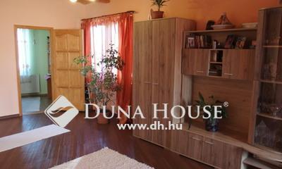 Eladó Ház, Bács-Kiskun megye, Kiskunfélegyháza, 2011-ben épített exkluzív családi ház
