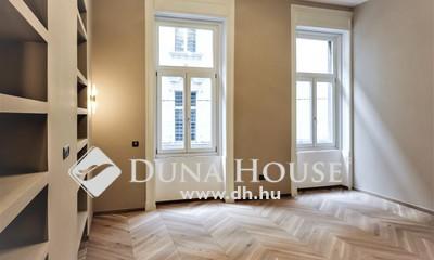 Eladó Lakás, Budapest, 5 kerület, Gyönyörű ház, Igényes felújítás, 3 szoba