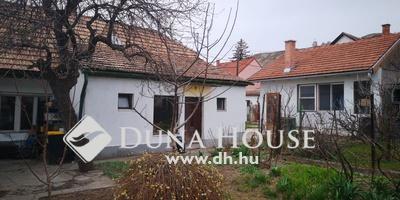 Eladó Ház, Pest megye, Budaörs, Budaörsi Egészségügyi Központ szomszédságában