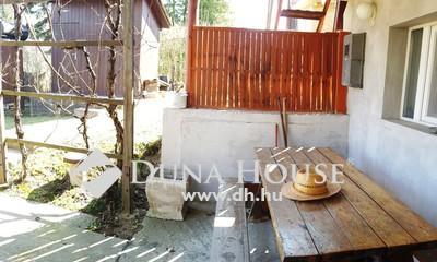 Eladó Ház, Komárom-Esztergom megye, Tatabánya, Bájos kis ház a síkvölgyi tó partjánál