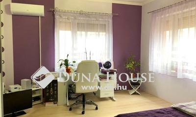 Eladó Ház, Jász-Nagykun-Szolnok megye, Karcag, Központhoz közel,frekventált elhelyezkedés.