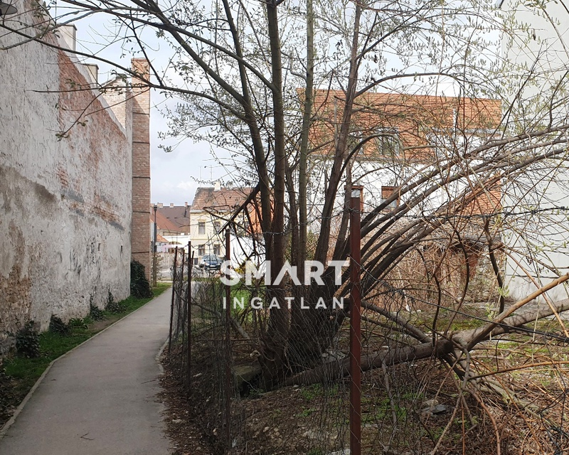 Eladó Lakás, Győr-Moson-Sopron megye, Sopron,
