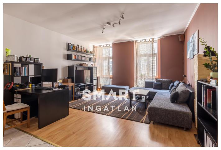 Eladó Lakás, Budapest, 7 kerület, Felújított, kiváló közlekedés, szép ház, Airbnb!