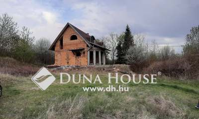 Eladó Ház, Baranya megye, Pécs, ==== félkész családi ház csöndes környéken===
