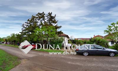 Eladó Ház, Heves megye, Gyöngyös, Árpád tér közelében csendes utcában