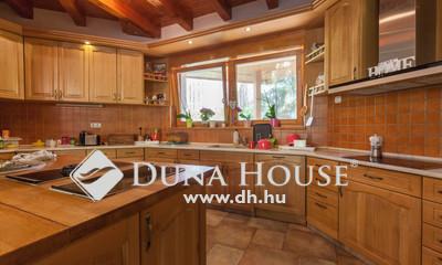 Eladó Ház, Pest megye, Veresegyház, Csendes, jó környéken 256nm egyszintes ház!