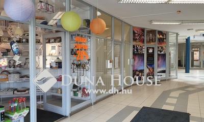 Eladó üzlethelyiség, Baranya megye, Pécs, Belvárosban a Király utcában üzlethelyiség eladó!
