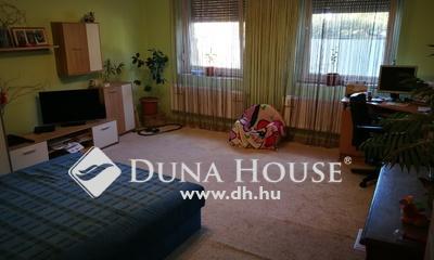 Eladó Ház, Csongrád megye, Szeged, Kismartoni utca