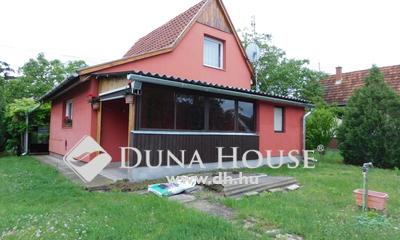 Eladó Ház, Bács-Kiskun megye, Kecskemét, Petúnia utca