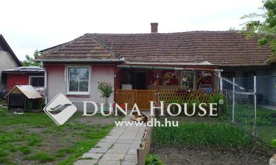 Eladó Ház, Pest megye, Monor, Központi részen.