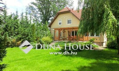 Eladó Ház, Bács-Kiskun megye, Kecskemét, Katonatelepen, 2 nappali + 5 szobás, GYÖNYÖRŰ ház
