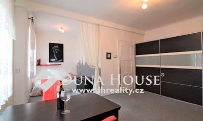 For sale flat, U Průhonu, Praha 7 Holešovice