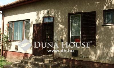 Eladó Ház, Bács-Kiskun megye, Kiskunfélegyháza, Kossuthvárosban 3 szobás családi ház
