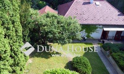 Eladó Ház, Budapest, 2 kerület, Hűvösvölgy közelében, két utcára nyíló telken