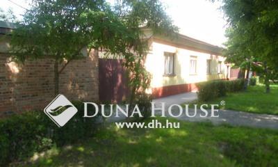 Eladó Ház, Csongrád megye, Csongrád, Fő utca