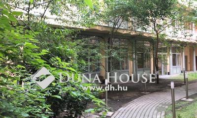 Eladó Lakás, Budapest, 6 kerület, 2 szobás,földszinti,saját kertkapcsolatos