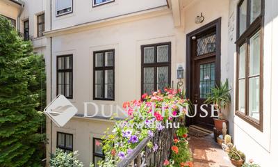 Eladó Lakás, Budapest, 1 kerület, Szentháromság tér
