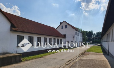 Eladó Ipari ingatlan, Bács-Kiskun megye, Nemesnádudvar, M6-os autópálya közelében