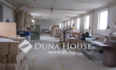 Eladó Ipari ingatlan, Komárom-Esztergom megye