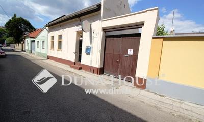 Eladó Ház, Bács-Kiskun megye, Kecskemét, Belvárosban a Rákóczi utca melletti kuriózum!