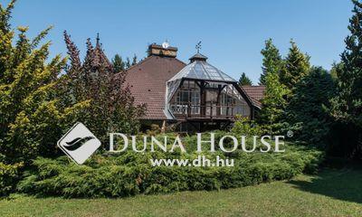 Eladó Ház, Budapest, 2 kerület, Gyönyörű telken különleges ház