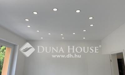 Eladó Ház, Budapest, 14 kerület, Szigetelt ház, nagy terasz, garázs, beálló, kert!