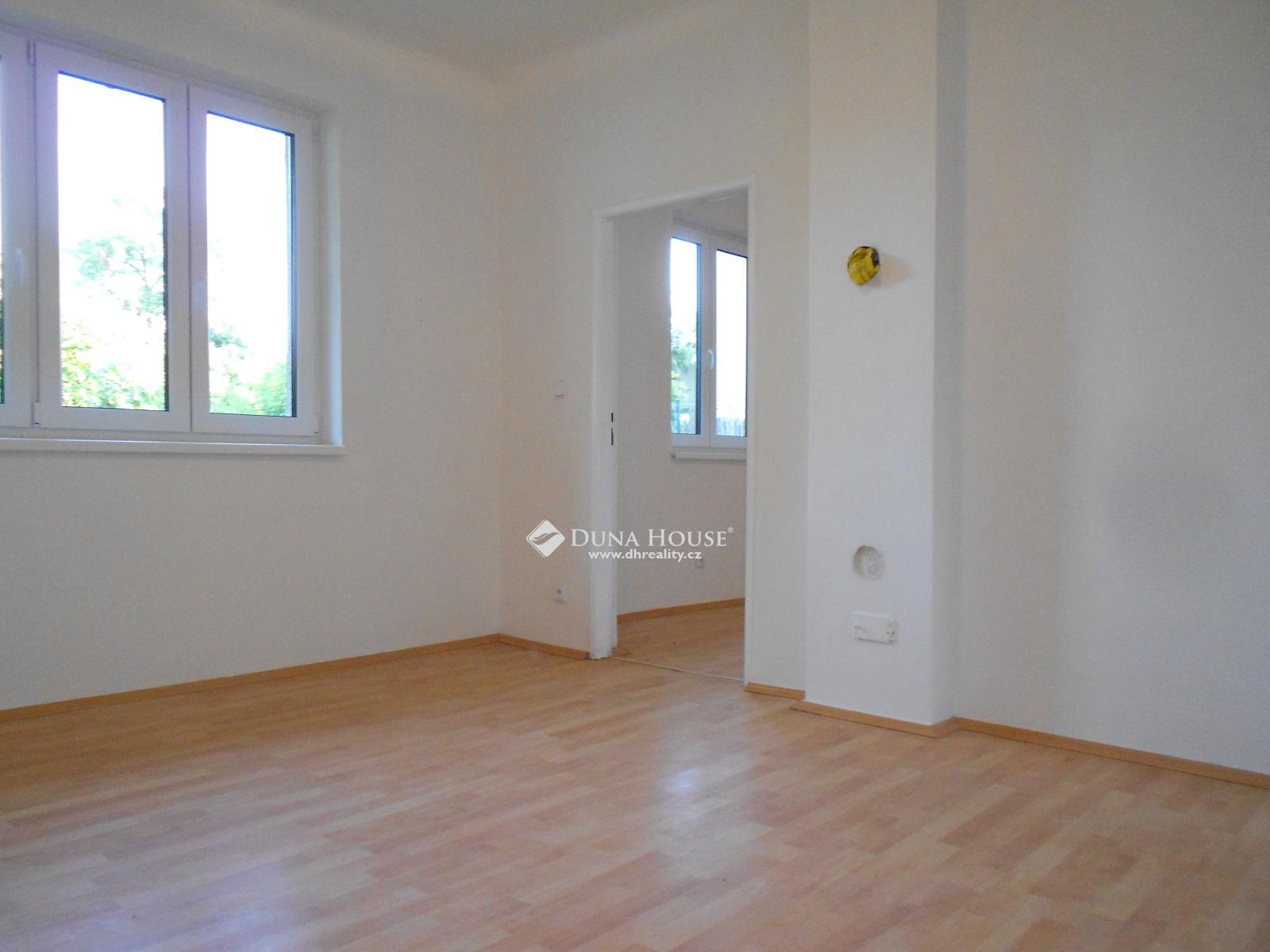 Prodej domu, Husova, Zeleneč