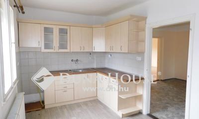 Eladó Ház, Hajdú-Bihar megye, Debrecen, Gerébytelep egyirányú utcája