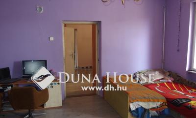 Eladó Ház, Bács-Kiskun megye, Kiskunfélegyháza, Leválasztott 3 szobás belső házrész saját udvarral